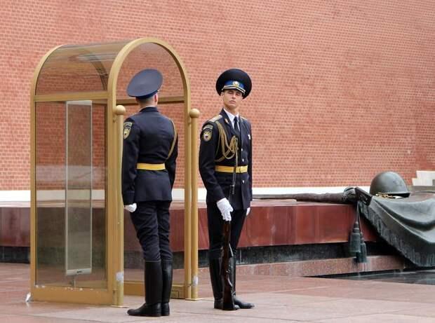 Почетный караул: быт и обязанности почетных караульных
