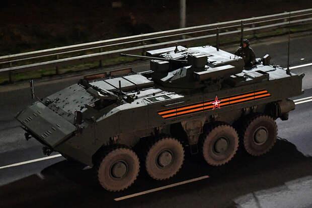 Военная техника прибыла в Москву для подготовки к параду Победы