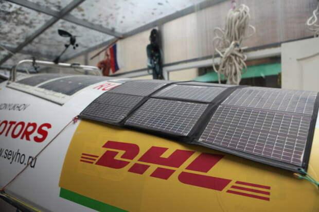 Солнечные батареи в комплекте.  Фото: livejournal.com.