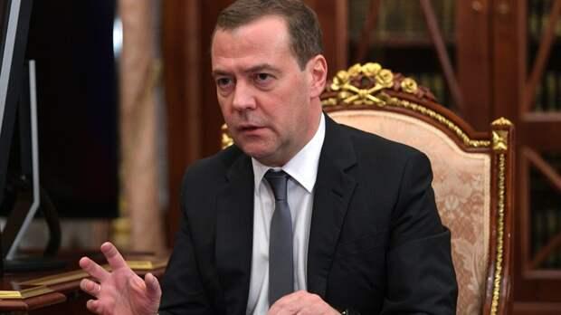 Собянин, Собчак, Кириенко. И лучше бы первый из них: В разговорах об отставке Медведева появилась конкретика