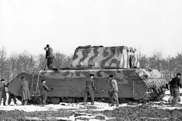 Сверхтяжелый танк Panzerkampfwagen VIII «Maus». | Фото: Военное обозрение.