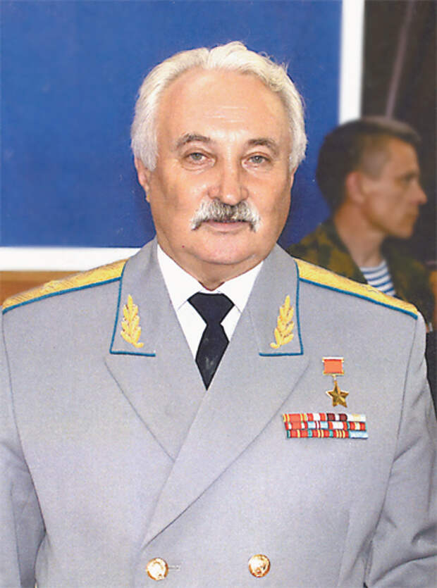 Военную эстафету генерал принял от своего деда-фронтовика