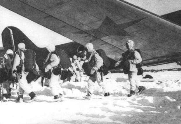 Орловский десант: как парашютисты пытались остановить немецкие танки