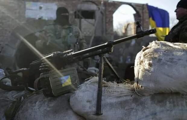 На линии разграничения стабильно тяжело: ВСУ истребляют защитников Донбасса