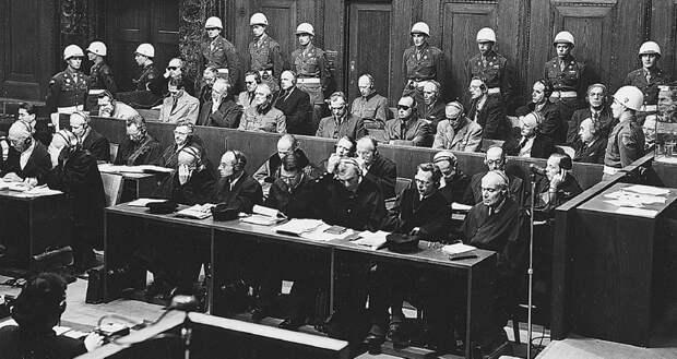 Нюрнберг обвинил королей. Международный военный трибунал создал множество прецедентов современного права