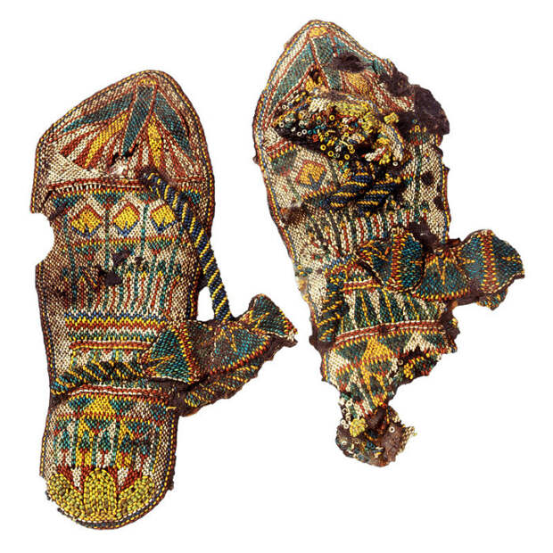 Одна из многочисленных пар обуви, найденных в гробнице Тутанхамона.