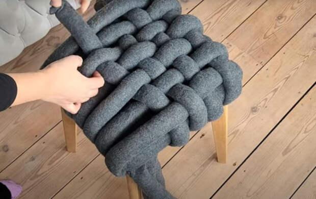 Бюджетное и креативное оформление старого табурета пледом из IKEA