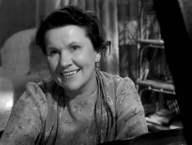 Простая история актриса, кино, народная артистка СССР
