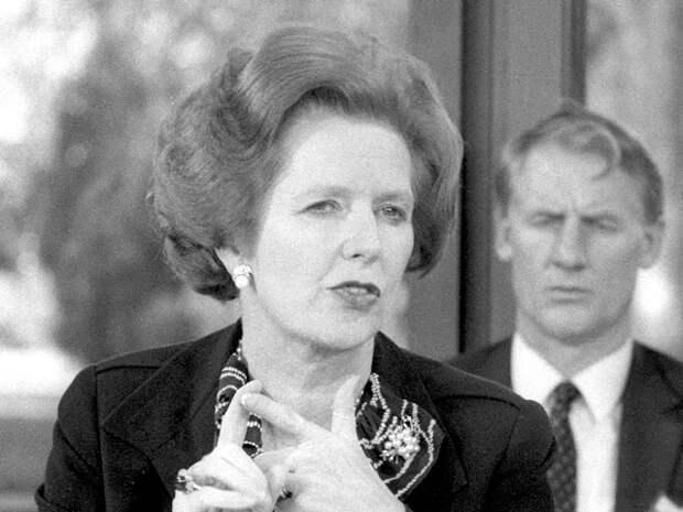 Премьер-министр Великобритании Маргарет Тэтчер отказалась поздравлять советского лидера Леонида Брежнева с 75-летием из-за военного присутствия СССР в Афганистане