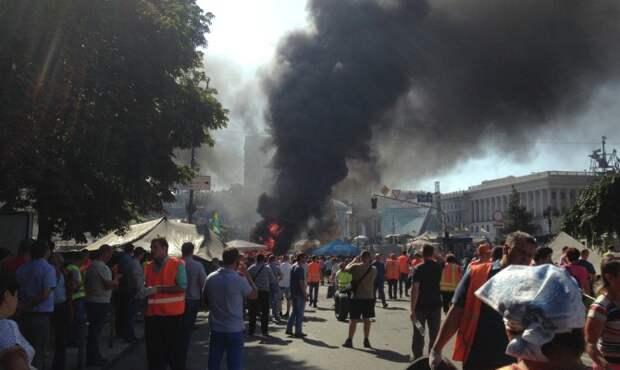Столкновения между активистами и силовиками начались на Майдане