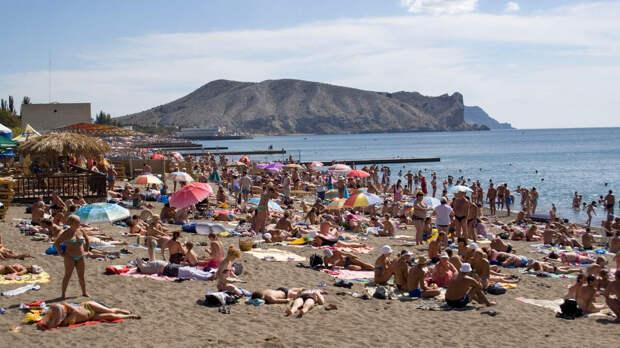 Об условиях снижения цен на отдых в Крыму рассказал эксперт