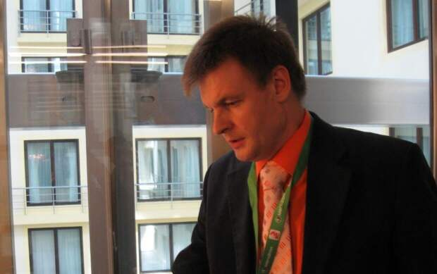 Историк Тепикин: Киев подает сигнал НАТО в надежде на военную поддержку Запада