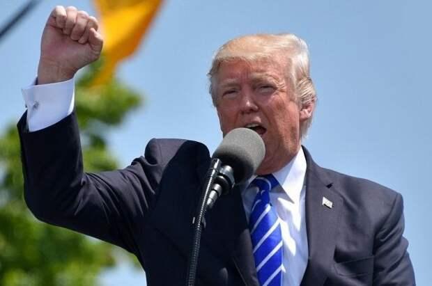 Трамп переоценил стоимость своего автографа