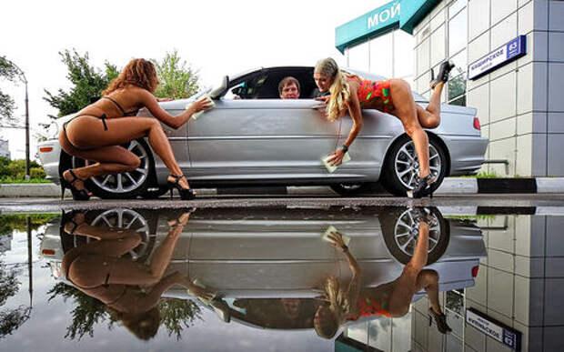 Помыть машину на даче или во дворе: чем это грозит?