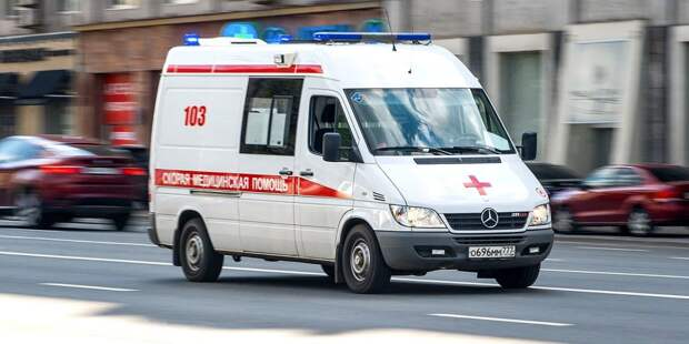 В аварии на МКАД около Строгина пострадал мотоциклист