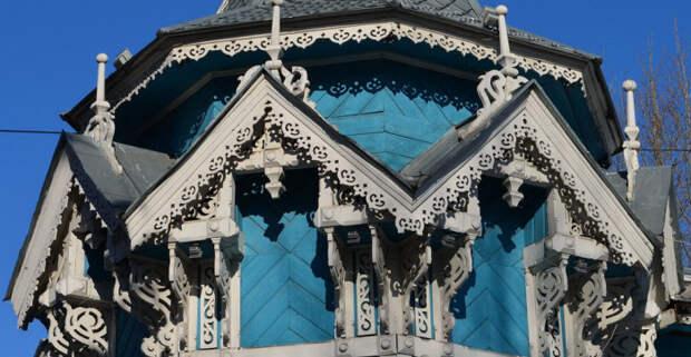 Для кого строили кружевные дома с драконами, жар-птицами, свитками: Деревянное зодчество Томска