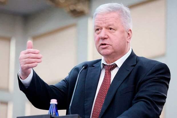 Глава российских профсоюзов Шмаков, совершенно незаслуженно приписал себе смягчения пенсионного законодательства
