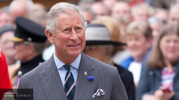 Сын королевы Елизаветы II принц Чарльз заболел коронавирусом