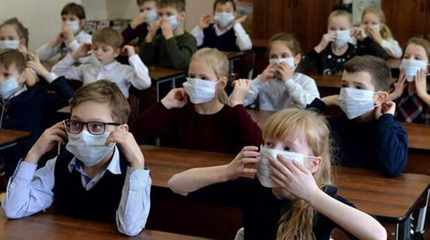   Маски и никаких линеек: Как будут учиться школьники в России и еще 5 странах?