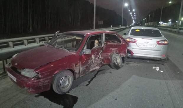 Три человека пострадали в аварии на Ново-Московском тракте в Свердловской области