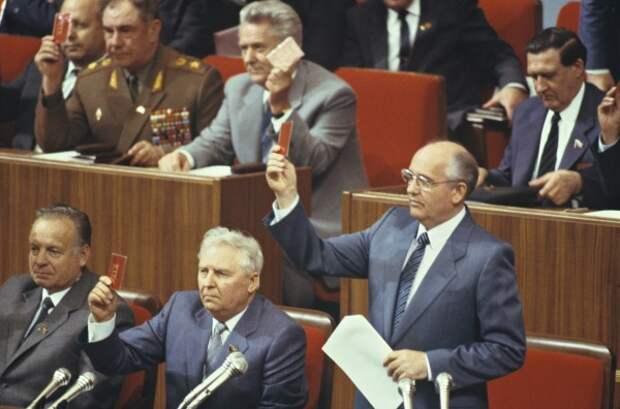 Для Михаила Горбачева итоги партконференции могли показаться удачными. Но эта удача длилась недолго