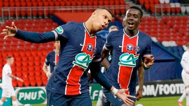 Дубль Мбаппе помог «ПСЖ» разгромить «Лилль» и выйти в четвертьфинал Кубка Франции. Икарди забил и получил травму