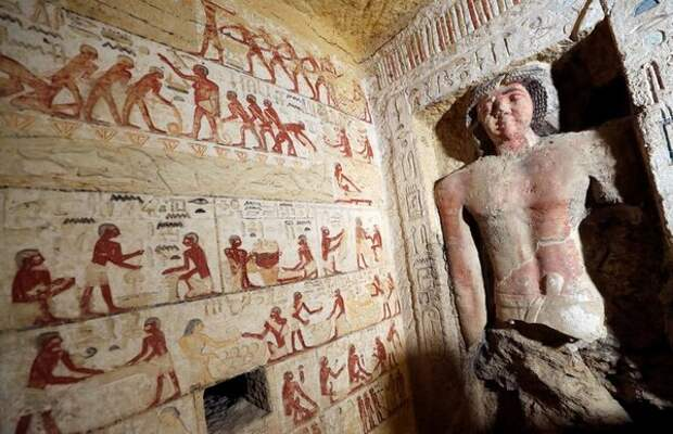 Настенные рисунки, изображающие быт древнего Египта.