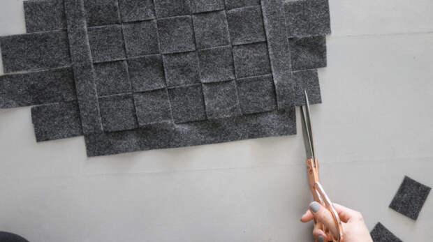 Стильное соединение картонной коробки и войлочной ткани