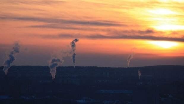 На месте пожара в Подольске работает лаборатория, проводящая забор проб воздуха