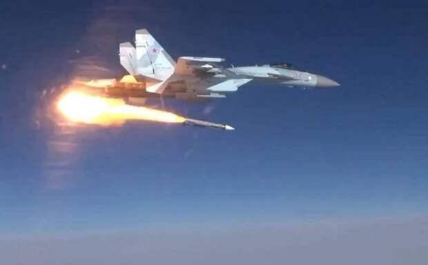 Российский Су-35 впервые запустил новейшую ракету Р-37М