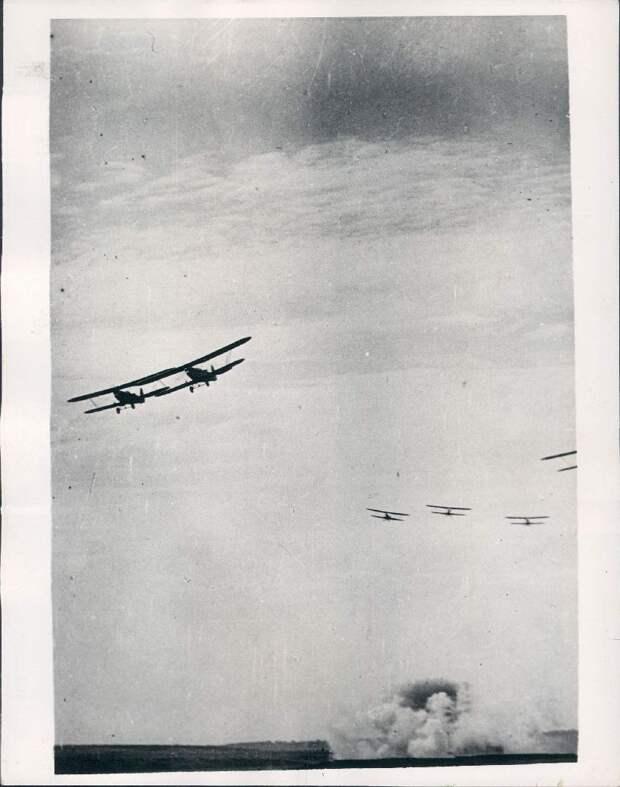 1937.  Москва, Тушинский аэродром. Авиашоу