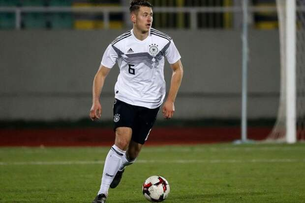 «Зенит» ищет центрального защитника в Германии. Вариант со «Штутгартом», похоже, застопорился, но «Зенит» умеет удивлять