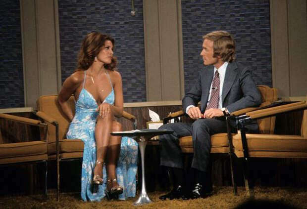 Ракель Уэлч на шоу Дика Каветта, 1972 год.