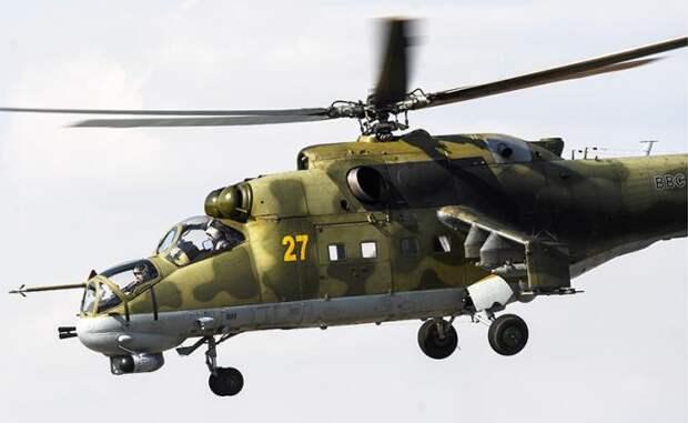На фото: многоцелевой ударный вертолет Ми-24