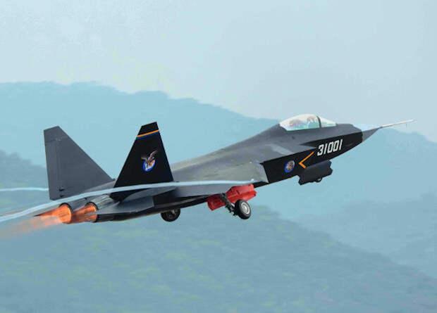 Китайцы в 2021 году испытают новый палубный истребитель