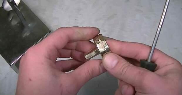 Подставка для электропаяльника — все продумано до мелочей