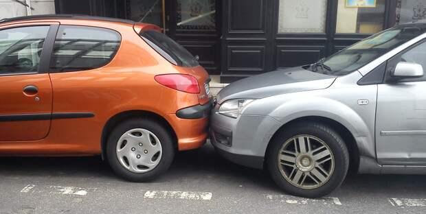 Росстандарт хочет заставить российских водителей парковаться компактнее