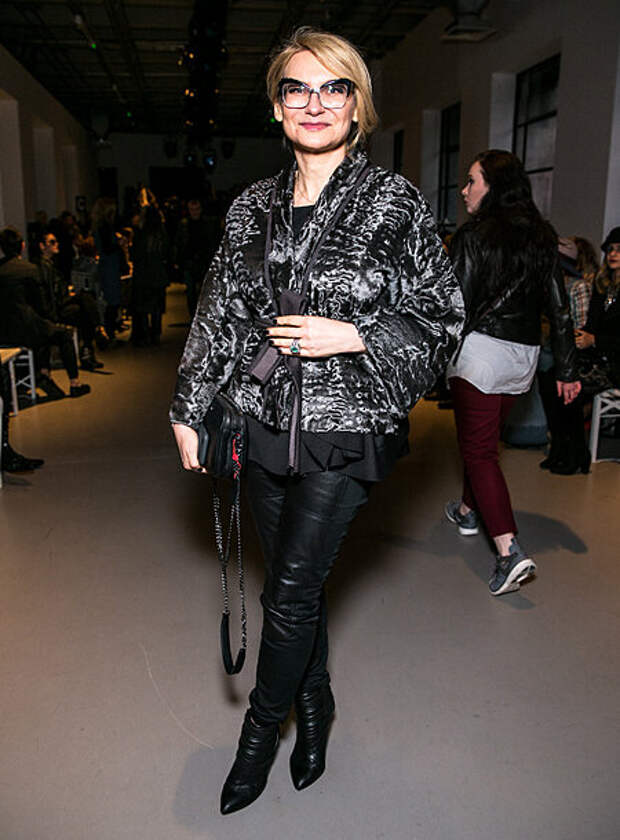 Как Эвелина Хромченко рекомендует сочетать ботфорты женщинам после 40 осенью: не будут вульгарными и подчеркнут стиль
