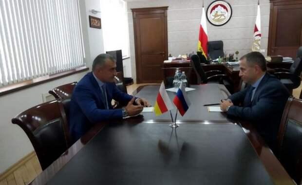 Бабич назвал одной изважнейших задач вЮжной Осетии создание рабочих мест