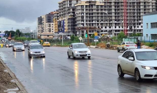 На Путиловском шоссе начнут эвакуировать неправильно припаркованные автомобили