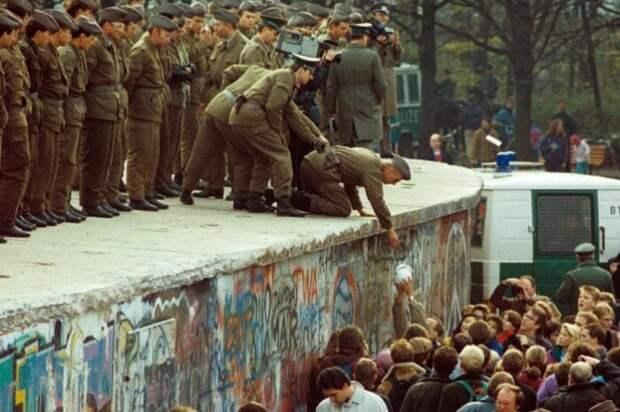 Берлинская стена, 1989 год.
