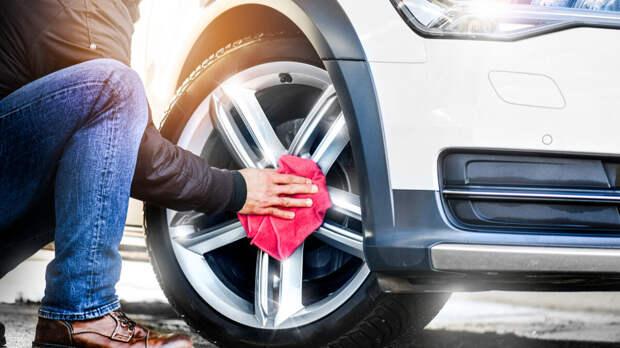 Как нельзя мыть колеса автомобиля: частые ошибки назвали эксперты