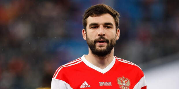 Капитан сборной России по футболу извинился