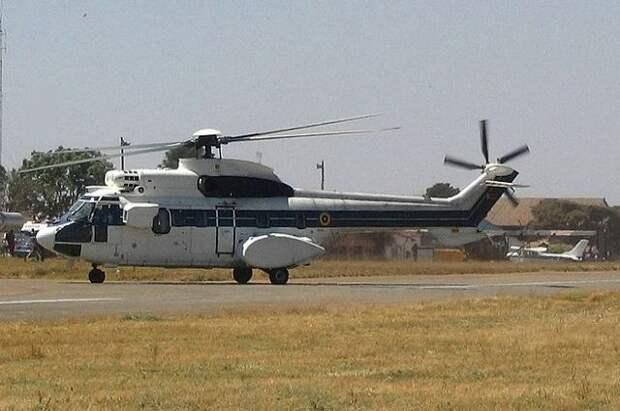 В Зимбабве военный вертолёт упал на жилой дом