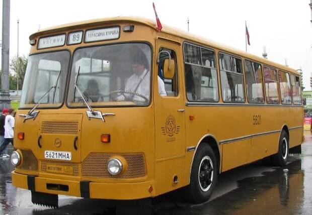 ЛиАЗ-677: вся эпоха в одном простом автобусе