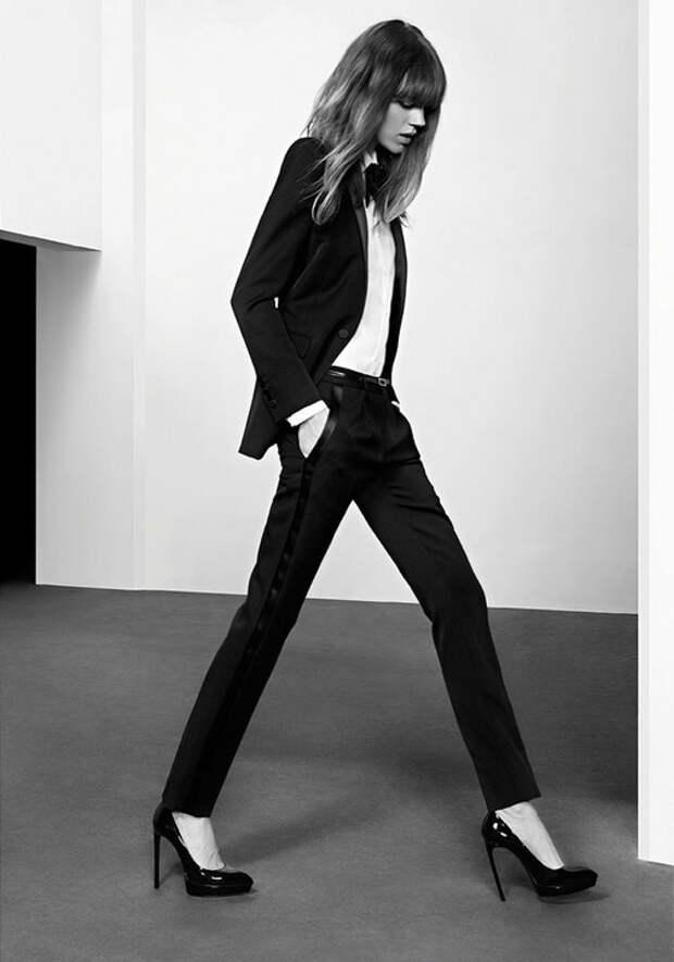 Пиджак в мужском стиле можно заменить собственно мужским пиджаком — при условии, что ваши с любимым размеры близки