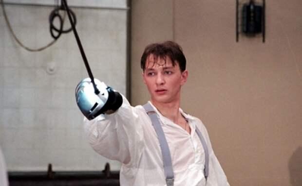 Как сегодня выглядят наши популярные актеры 90-х