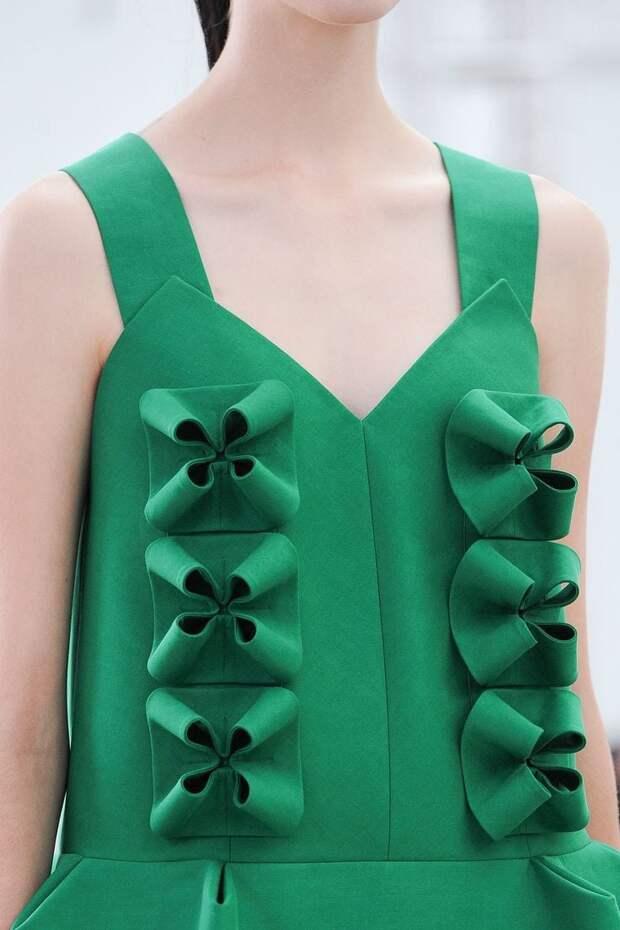 Стильная вышивка с 3D-эффектом и прочие объемные детали в одежде