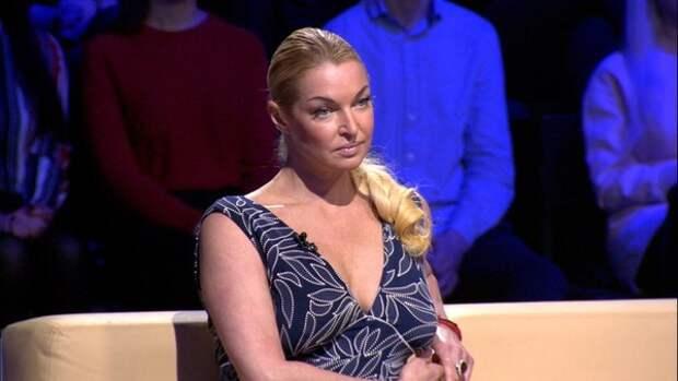 """Анастасия Волочкова: """"Я вчера чуть не разбилась в клетке на собственной лебедке"""""""