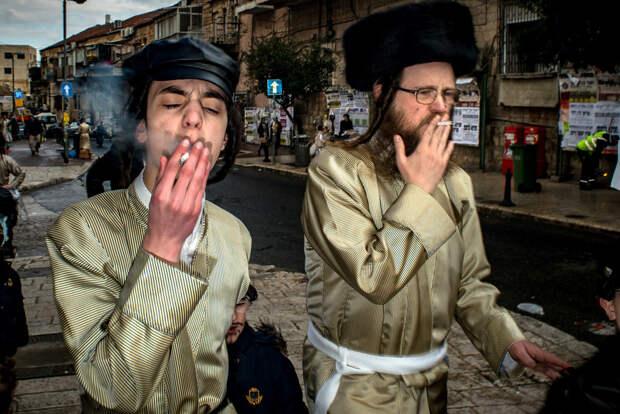 На улице в Тель-Авиве. Фотограф Алан Бурла 1